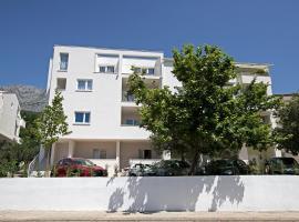 Apartments Strada Tučepi, beach hotel in Tučepi