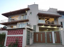 Hillview rooms, hotel with pools in Panchgani
