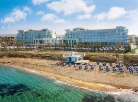 Amavi – Made For Two Hotels ™, hotel near Ayia Kyriaki Chrysopolitissa Church, Paphos