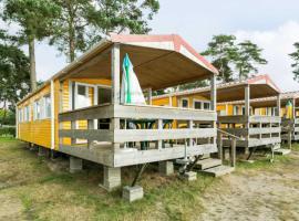 MB Beach Cottage, resort in Hoek