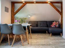 Klimatyzowany apartament w Mrągowie, apartment in Mrągowo