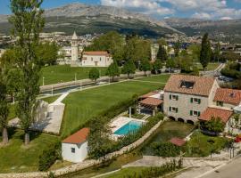 Villa Draga Paradise pool villa in Split, hotel in Solin