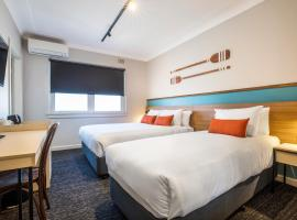 Nightcap at Ocean Beach Hotel, hotel in Ettalong Beach