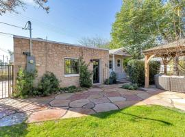 Best Little Guesthouse in Melrose! New Listing!, B&B in Phoenix