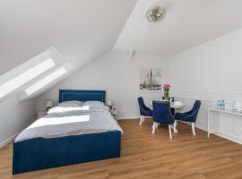 APARTAMENTY CZWARTE PIĘTRO - Realizujemy Bon Turystyczny, hotel near Batory shopping centre, Gdynia