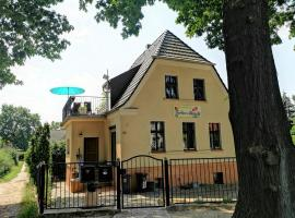 Ferienhaus MONA LIESE, apartment in Berlin