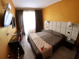 Hotel Cristallo, hotell i Varazze