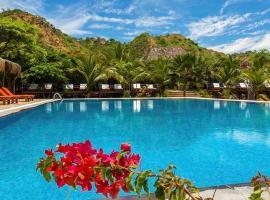 Bungalows & Suites Punta Camarón