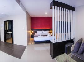 The Harbour Front Hotel, hotel in Suratthani