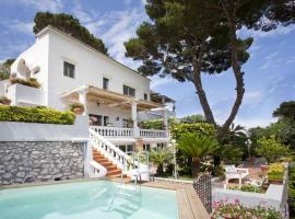 Capri Red Moon Apartment, apartment in Capri