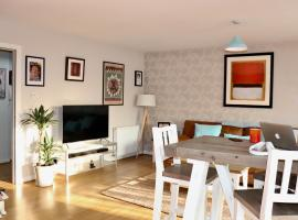 LuxFlat - Port Of Leith - Free Parking, hotel cerca de Royal Yacht Britannia, Edimburgo