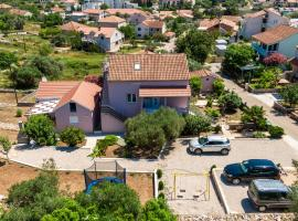 Apartment Adriana, budget hotel in Vela Luka