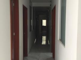 Hostal Parisuite, hotel near Miguel Grau Stadium, Lima