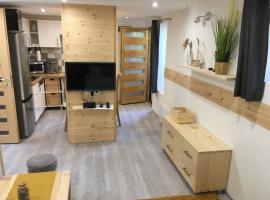 Modern Apartman Deluxe, country house in Alsóörs