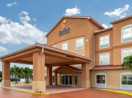 Comfort Inn & Suites Fort Myers Airport, golf hotel in Fort Myers