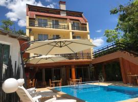 Family Hotel Central, hotel in Kranevo