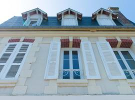 Villa Clarisse, pet-friendly hotel in Deauville