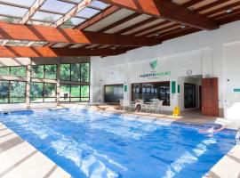 Flat 214 Hotel Alpenhaus, hotel near Black Lake Gramado, Gramado