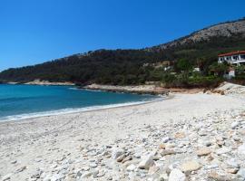 Villa Glaykos, villa in Thymonia Beach