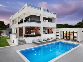 Villa Histra Medulin, luxury hotel in Medulin