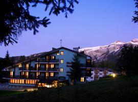Hotel Alaska, hotel near Lago di Tovel, Folgarida