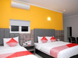 OYO 1100 Galaxy Residence, hotel in Palu