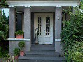 Altes Landhaus am Park (Bed & Breakfast), B&B in Xanten