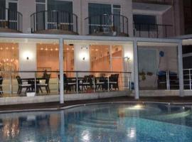 хотел Свети Николай Приморско, отель в Приморско