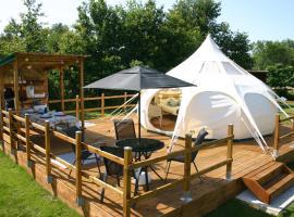 La Petite Lande, luxury tent in Pierrefiche