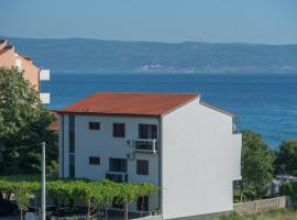Apartments Vlasic, hotel with jacuzzis in Podstrana
