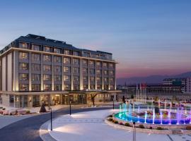 DoubleTree By Hilton Skopje, отель в Скопье