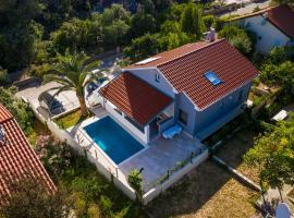 Villa Artaturi, hotel near Losinj Airport - LSZ,