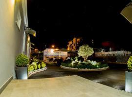 L'INCANTO, готель біля визначного місця Меркато, у Неаполі