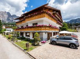 Barisetti Sport Hotel, hotel in Cortina d'Ampezzo