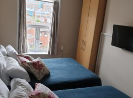 Double bedroom studios, hotel in Dublin
