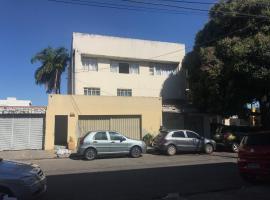 Quitinete do Casal, budget hotel in Goiânia
