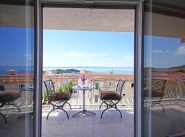 Makarska sea view rooms, hotel in Makarska