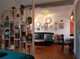Sous les toits de Bayeux - Studio déco & zen - Hyper centre, apartment in Bayeux