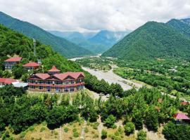 Kungut Hotel & Resort, hotel em Sheki