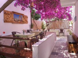 Syrianos Hotel, hotel in Naxos Chora