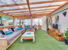 Mobile Home Evalina Camping Lou Cantaire, campground in Fayence