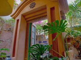 Secret Garden Inn, inn in San Diego