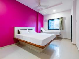 SPOT ON 42793 Hotel Gurukrupa, budget hotel in Shirdi