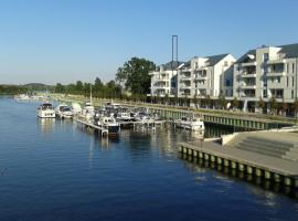 Penthouse-Wohnung am Yachthafen Werder/Havel, hotel in Werder