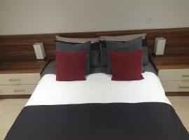 Hullidays - The Sawmill Suite, apartment in Hull