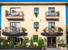 B City Hotel, hotel in Bardolino