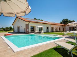 Agriturismo Acquachiara, hotel with pools in Sabaudia
