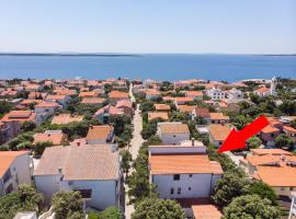 Apartments Ante, hotel in Mandre
