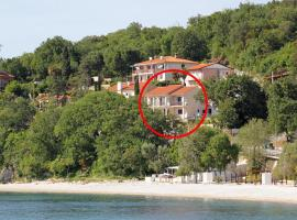 Apartments by the sea Medveja, Opatija - 7719, pet-friendly hotel in Lovran