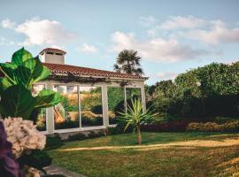 Casa da Ribeira Cottage, homestay in Ribeira Grande